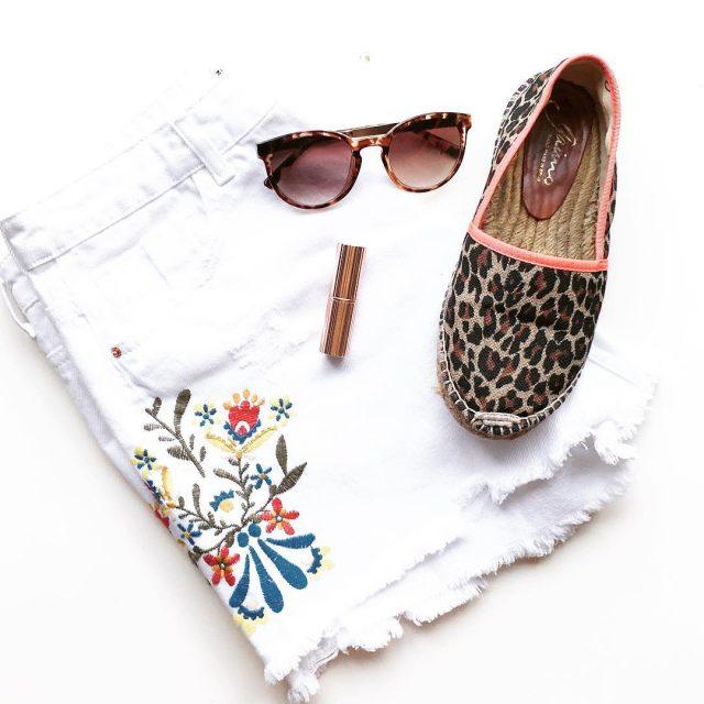 Summer items  Nieuwe shorts van de Zara! Fijne zondaghellip
