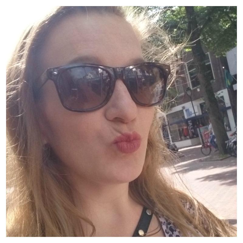mieke selfie