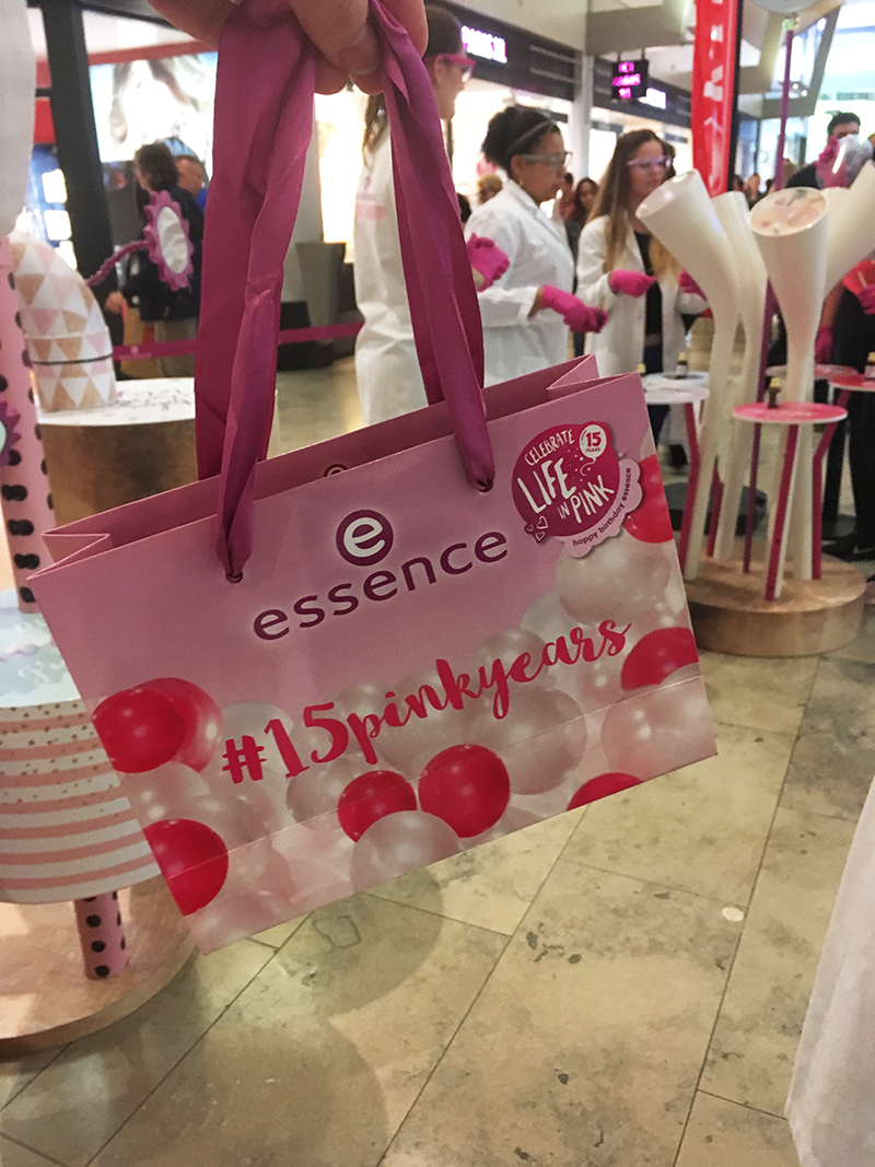 essence maker shop event lipgloss