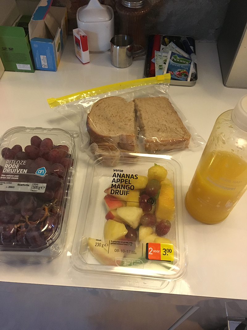 lunch fruit brood