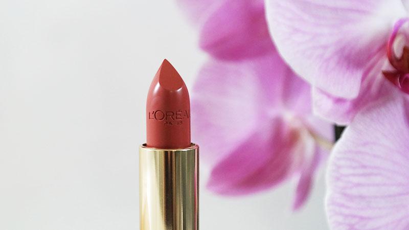 L'Oreal Paris Xelly Cabau van Kasbergen color riche satin lipstick