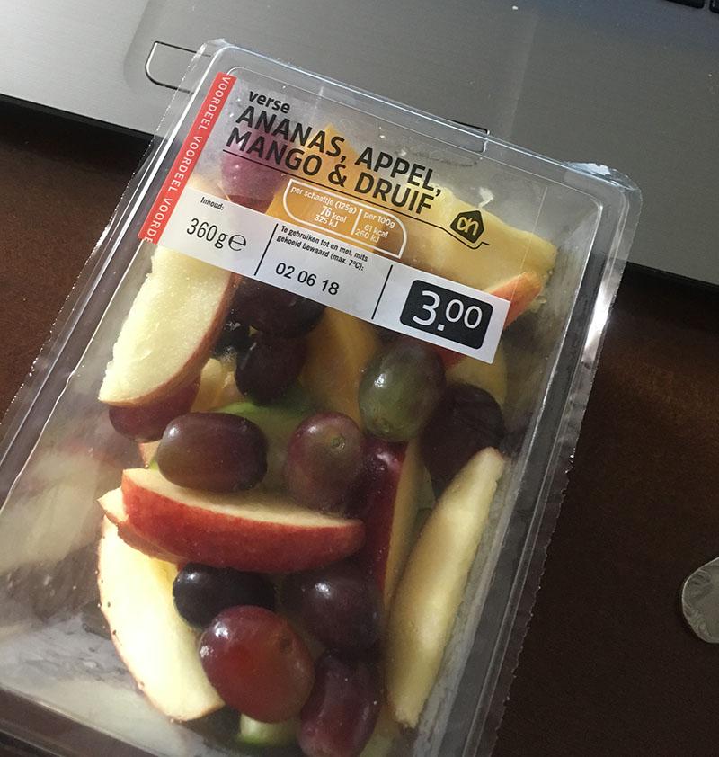 ananas appel mango druif