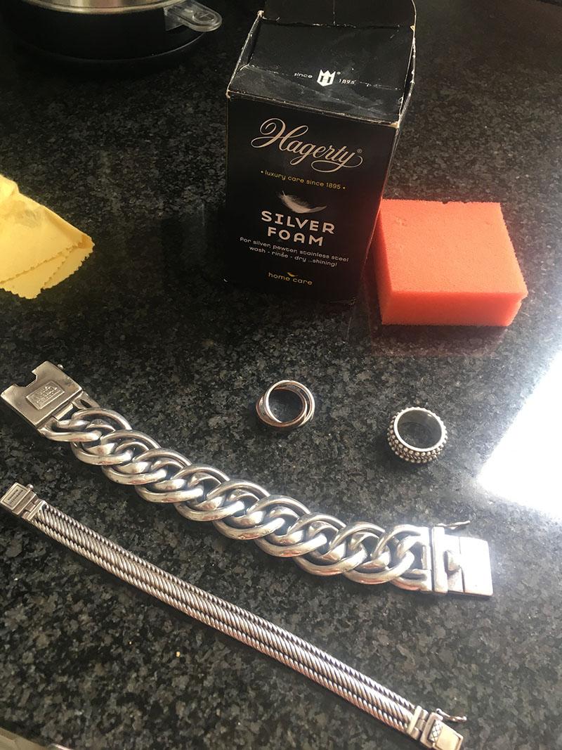 zilveren sieraden poetsen