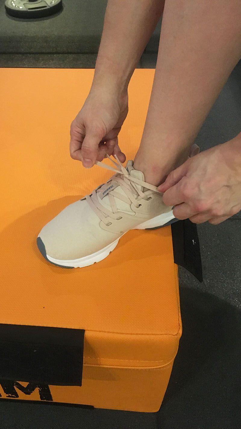 nieuwe sportoutfit dames sportkleding sneaker dames