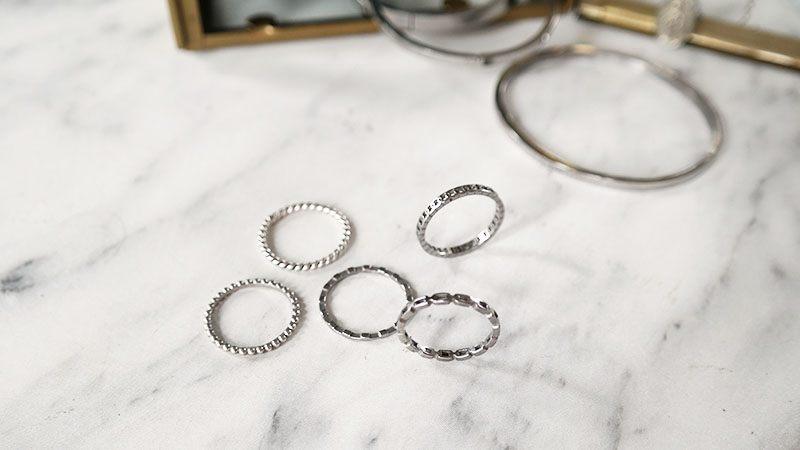 nieuwe zilveren sieraden zilveren ringen minimalistisch