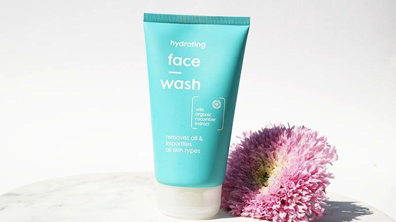 hema hydrating face wash