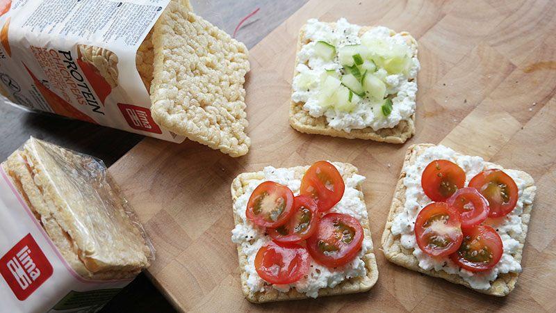 lima Proteïnewafels huttekase tomaat komkommer