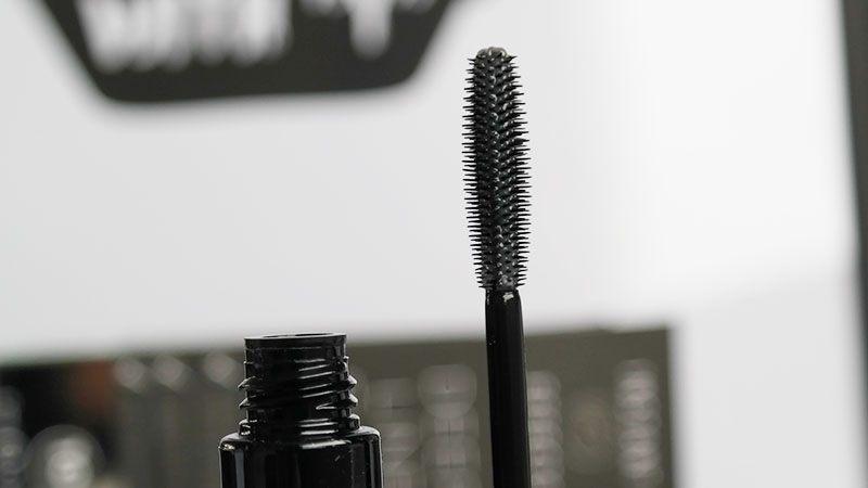 lash and brow volumiser