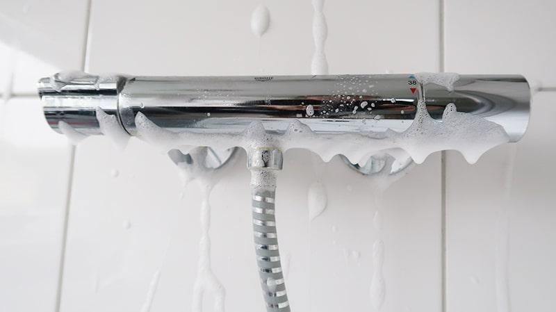 kalk verwijderen met HG schuimspray-min