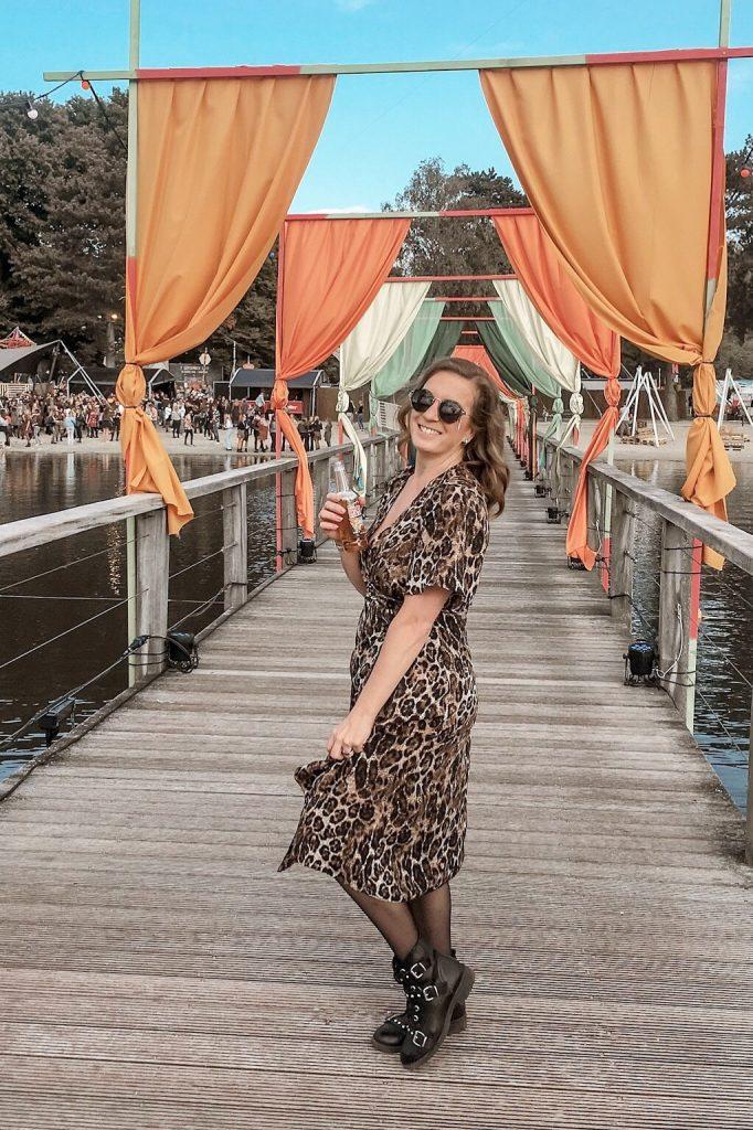 tijgerprint jurk outfit inspiratie voor dames