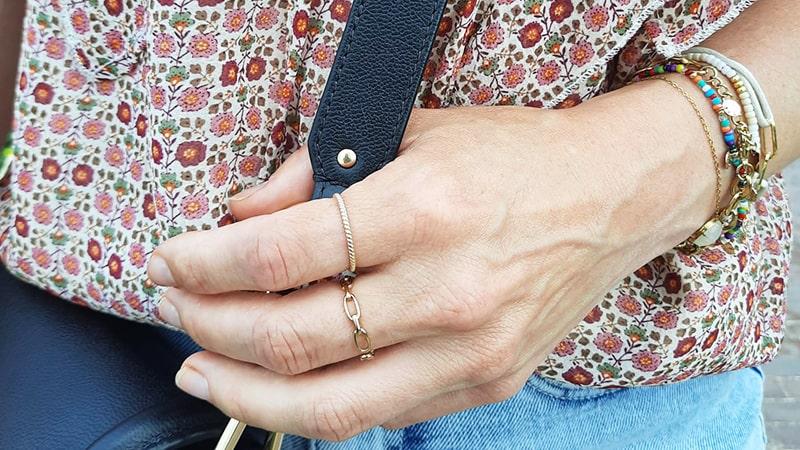gouden armbanden combineren