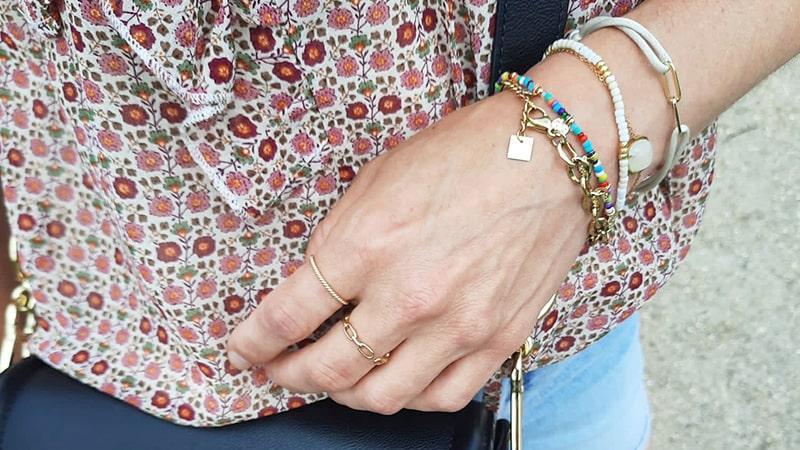 gouden armbanden en ringen